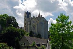 Montreuil-Bellay (Maine-et-Loire) (sybarite48) Tags: france tower castle torre tour toren castelo turm castello chteau kale  castillo burg kasteel  maineetloire  kule zamek     montreuilbellay wiea