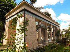 Museu Egípcio - AMORC (Jessica.Loyola) Tags: roses sun daylight museu egypt curitiba amorc rosacruz