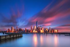 New York City - 194 seconds (Christian Bobadilla) Tags: nyc newyorkcity longexposure newyork reflection clouds canon newjersey lee hudson reflejos ndfilter largaexposicin nd1000 leefilters leefoundationkit bigstopper 5dmarkiii christianbobadilla reversegnd8