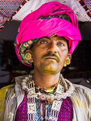 Men of the Baroth Rabari tribe (Rita Willaert) Tags: new india nomad ahir tribe gujarat zwarte rabari nomaden in bhuj dasada katchi harijan yath fakirani rabaritribe vankar dhaneti harijantribe ahirtribe fakiraniyathnomad katchirabari newdhaneti vankartribe zwarterabari trambau