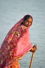 working women (Cute Pakistan) Tags: indusriver mohana workingwomen pakistaniwomen akhtarhassankhan pakistaniworkingwomen boadhouse akhtarhassankhanphotography 03007480117akhtarhassankhan pakistaniworkinggirls ladymohana pakistaniworkingclass