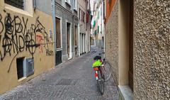 UDINE. VIA SOTTOCASTELLO. (FRANCO600D) Tags: samsung via bici vicolo bicicletta udine note4 franco600d