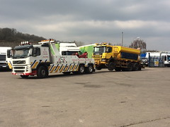 Volvo Recovering 6X6 Road Gritter (JAMES2039) Tags: rescue 6x6 truck volvo cardiff lorry breakdown heavy tow towtruck recovery ask scania wrecker 6wheeler gritter fm12 sixwheeldrive underlift roadgritter heavyunderlift askrecovery ca02tow frontsuspend