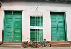 Escuela Primaria - Trinidad, Cuba (renataml) Tags: school latinamerica bike nikon doors cuba bikes bicicleta trinidad escuela escola qba americacentral