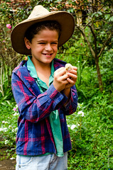 Infância (debora_simoes107) Tags: minasgerais pintinho fazenda serradacanastra