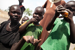 Food crisis in South Sudan (Albert Gonzalez Farran) Tags: food southsudan hunger emergency crisis assistance oxfam famine malnutrition humanitarianassistance foodcrisis jonglei lankian