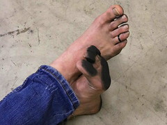 dirty party feet 569 (dirtyfeet6811) Tags: feet toes barefoot soles toering dirtyfeet dirtysoles dirtytoes