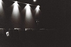 Au cinma ce soir - Tonight at the movie (Max Sat) Tags: blackandwhite bw cinema paris france film analog lights chair fuji noiretblanc nb 135 ilford fujinon klasse ilforddelta3200 38mm 75014 artetessai lumiere maxsat klasses fujiklasses septparnassiens maxwellsaturnin
