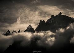 Monte Parmi les Nymphes (Frdric Fossard) Tags: nature montagne alpes contraste paysage ambiance aiguilledumidi hautesavoie tlphrique tlcabine aiguillesdechamonix aiguilleduplan massifdumontblanc