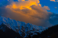 Shades of light, Sairaag valley, Kinnaur, India (Himalayan Panoramic Studio) Tags: blue light sunset orange mountain clouds wonder evening nikon joy valley shade meditation himalaya nikkor bliss awe kinnaur satluj kothi kalpa reckongpeo sairaag