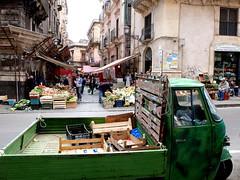 L'apa (silviasalvi) Tags: street italy italia market streetphotography ape sicily mercato catania sicilia southitaly fujifilmx30 silviasalvi