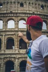 T sealabas un monumento hermoso y yo slo tena ojos para ti (evanunr18) Tags: travel viaje man roma love beard amor hipster coliseo