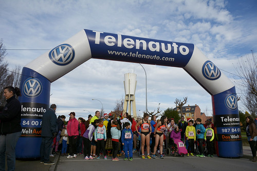 "Carrera popular y premios San Silvestre 2015 La Virgen del Camino • <a style=""font-size:0.8em;"" href=""http://www.flickr.com/photos/66442093@N08/24024143965/"" target=""_blank"">View on Flickr</a>"