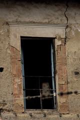 Espera (Valeria Antezana) Tags: door totora casa puerta chair bolivia silla soledad espera cochabamba