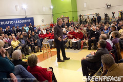 Jeb Bush Takes Questions (Greenpeace USA 2015) Tags: usa democracy newhampshire concord vote republican democrat keepitintheground