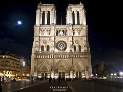 Notre Dame (Stauromel) Tags: street paris france skyline arquitectura catedral notredame nocturna francia parigi canon1dmarkii catedraldenotredamedeparis stauromel alquimiadigital