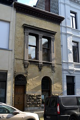 Architectenwoning Jos. Bascourt, Antwerpen (Erf-goed.be) Tags: geotagged antwerpen burgerhuis archeonet architectenwoning geo:lat=512062 josbascourt kleinehondstraat geo:lon=44303