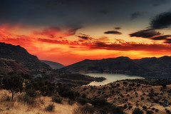Quiet Sunset (Mahmood Alsawaf) Tags: sunset sky lake mountains nature clouds canon photography landscapes heart dam iraq hdr العراق بحيرة غروب قلب تصوير سماء غيوم جبال كوردستان دهوك 5dm3 mahmoodalsawaf محمودالصواف سددهوك