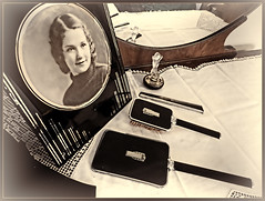 MOM. ART DECO DRESSER SET, DRESSER, FRAME AND PERFUME (strandviewphotos) Tags: 1920s stilllife artdeco dresser dresserset volptenudeperfumebottle