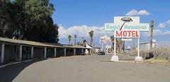 Arne's Royal Hawaiian Motel, 23 of 27 (TedParsnips) Tags: california baker urbandecay motel deserted royalhawaiian batesmotel bakercalifornia arnesroyalhawaiian