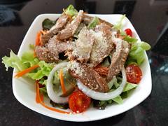 IMG_20160417_130234 (tatsuya.fukata) Tags: food thailand salad cafe bangkok th krungthepmahanakhon samutprakan steelroses