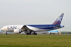 LANCO N776LA Boeing 777-F16 cn/38091-1038 @ Aalsmeerbaan EHAM / AMS 25-12-2015 (Nabil Molinari Photography) Tags: cargo lan boeing schiphol ams noord eham n776la 777f16 25122015 cn380911038