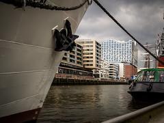Hamburg Elbphilharmonie (frank_frenzel) Tags: ship hamburg hafencity streetphotographie