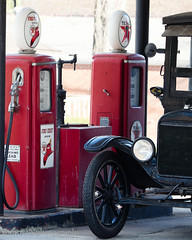Throwback (tommynphotography2) Tags: ford nashville antique gas lynchburg oldcar texaco tenessee gaspump oldgaspump