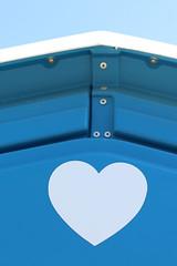 Moody Blues (gripspix (catching up slowly)) Tags: blue white detail heart toilet hues blau herz weis chemicaltoilet dixiklo schattierungen 20160423