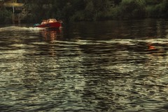 Boats... (hobbit68) Tags: old bridge sky river boats wasser outdoor alt frankfurt sommer sony main boote fluss sonne bltter baum steg sonnenschein brcken