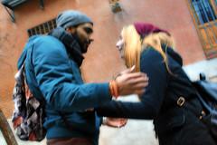 Amor - Love - Amore - Amour (COLINA PACO) Tags: love movement couple gente pareja amor movimiento amour amore mouvement amoreux genteurbana urbanhumans gensdesvilles gentedicitt