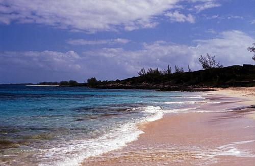 "Bahamas 1988 (308)  Rose Island • <a style=""font-size:0.8em;"" href=""http://www.flickr.com/photos/69570948@N04/24195296615/"" target=""_blank"">Auf Flickr ansehen</a>"