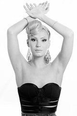 B&W (petia.balabanova) Tags: portrait blackandwhite girl monochrome beauty model 85mm ritratto biancoenero sfondobianco nikond800 ininterni