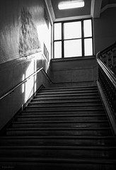courthouse steps (severalsnakes) Tags: light shadow window stairs phone cell samsung rail galaxy missouri courthouse bannister sedalia note4 saraspaedy