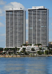 Trump Plaza, West Palm Beach. (Infinity & Beyond Photography) Tags: plaza west beach buildings towers palm trump condominium