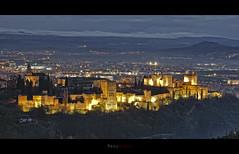 Atardeciendo en la Alhambra, Granada. (manurubio83) Tags: light sunset luz landscape atardecer lights mine minas paisaje alhambra granada lightning sr quarry laalhambradegranada estroncio monteviven minasdeestroncio