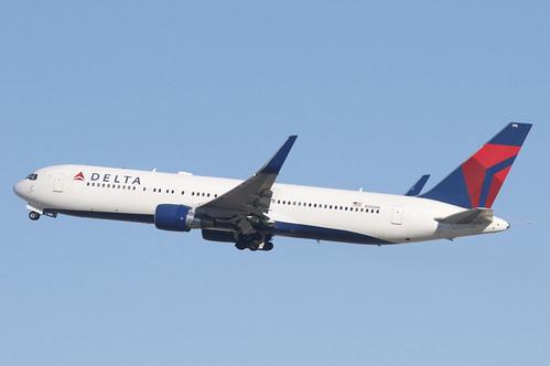 Delta Air Lines Boeing 767-300; N196DN@LAX;03.02.2016