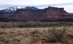Professor Valley (Jeff Mitton) Tags: mountains landscape scenic coloradoriver buttes lasalmountains coloradoplateau redrockcountry wondersofnature professorvalley breathtakinglandscapes earthnaturelife
