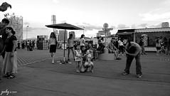 DSC_1091psaJZ (七 月) Tags: hk hongkong snapshot 香港 kowloon 九龍 街景 人像 人文 外拍 街拍 攝影 抓拍 黑白照片 kln 外影 紀實 拍攝 荔園 外攝