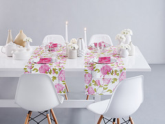 Kattausideoita täydelliseen hääpöytään