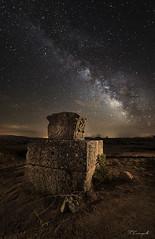 La base del pasado (Darkflip) Tags: night way noche via ruinas nocturna milky columna lactea romanas carrasquilla