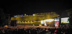 NDR2 Papenburg festival in 2015 (kaisen_foto) Tags: light music festival germany concert artist ship stage band sound singer mu visitor programm lowersaxony ndr2 25000 papenburg meyerwerft