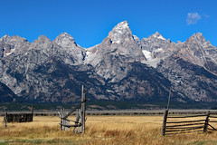 Happy Fence Friday (Wonder Woman !) Tags: usa fence landscape glacier wyoming grandtetons hff mormonrow
