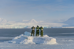 The guide crew (JSS-N) Tags: snow expedition nature norway landscape norge glacier svalbard arctic 1200 fjord iceberg spitsbergen skidoo