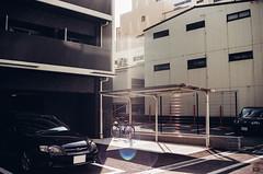 (yasu19_67) Tags: sunlight film japan analog alley parkinglot fujifilm osaka photooftheday filmphotography xtra400 filmism minoltaaf3570mmf4