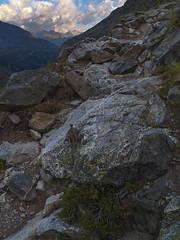 Subiendo a Cabane de l'Aguila (Manolo Moliner) Tags: walking paisaje senderismo pyrénées pirineos randonnée midipyrénées hautespyrénées pirineocentral