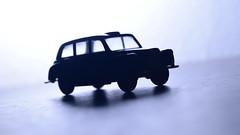42/365: Mini-Taxi / Mini-Txi (yago_ma) Tags: car silhouette backlight contraluz toy brinquedo interior object taxi small indoor carro objeto pequeno silhueta txi
