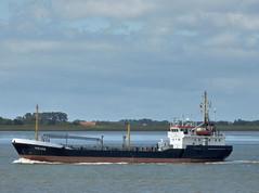 Heide (IMO 8517542) (Parchimer) Tags: weser bremerhaven tanker bunkering tankship bunkerboot motortankschip