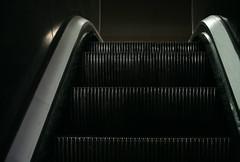 Escaleras (lunadiezdelalastra) Tags: street metal stairs train subway tren calle metro escaleras