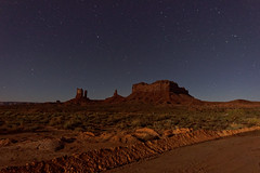 Dolina Monumentów nocą | Monument Valley at night